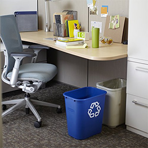 Desk side recycling bin